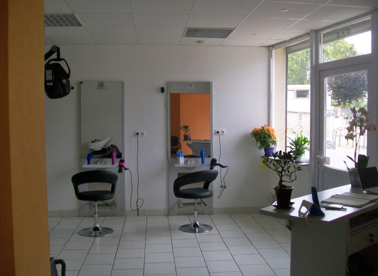 Vouzan a son salon de coiffure l 39 coiff et d coiff sa - Salon de coiffure evry ...